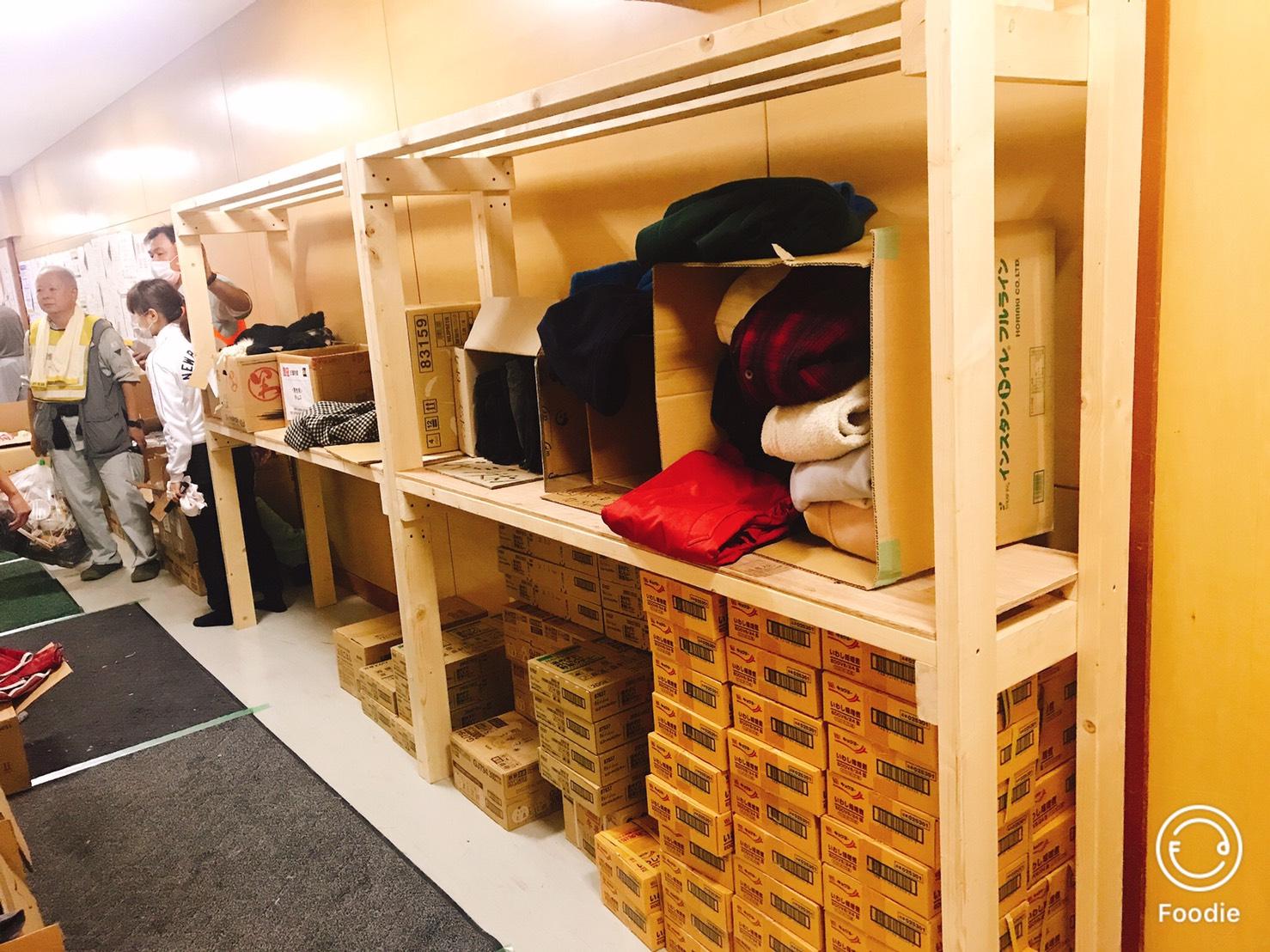 避難所からの棚の納品依頼